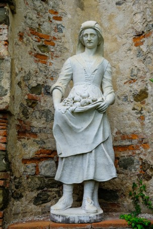 Villa reale Statue