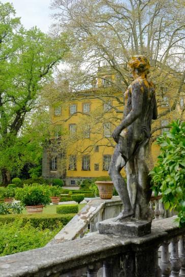 Villa Torrigiani - Garden of Flora Statue