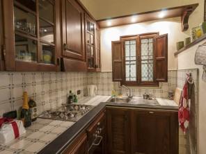 Lucca Apartment Kitchen (web source)